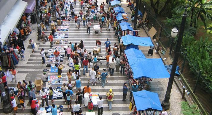 Cinco mil negócios, por dia, saem da informalidade no Brasil